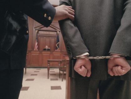 Адвокатская помощь при решении заключения непосредственно под стражу или арест