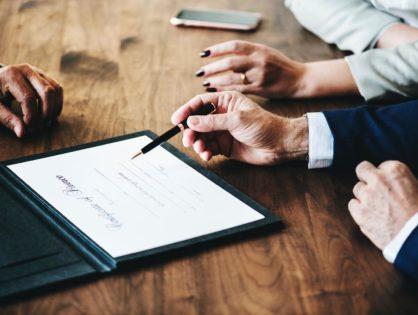В чем заключается помощь адвоката по уголовным делам?