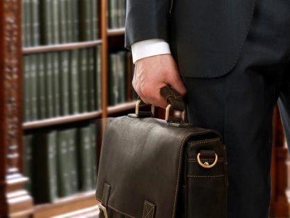 Сколько стоит нанять адвоката по уголовным делам и предоставляемые им гарантии